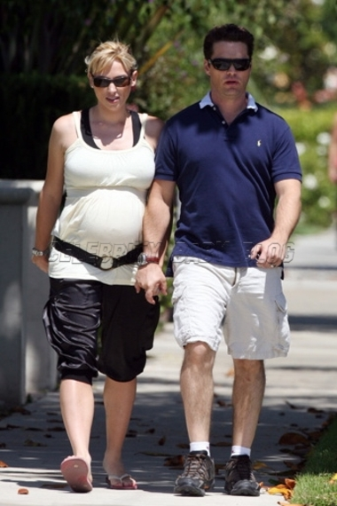 Jason And Naomi Lowde Priestley Out For A Walk Moms