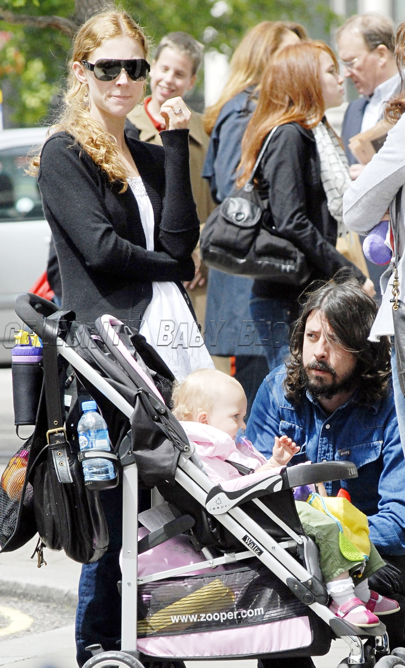 Dave_grohl_d_b_gr_03_cbb