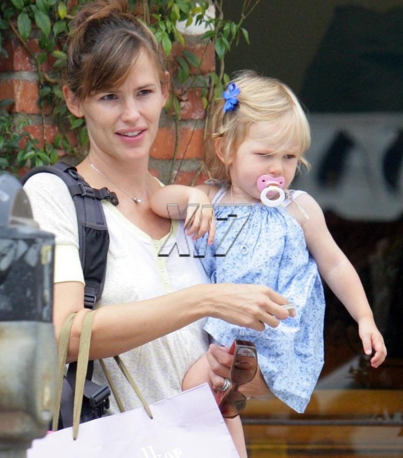 Celebrity Baby Of The Day: Violet Affleck | Celebrity Baby ...