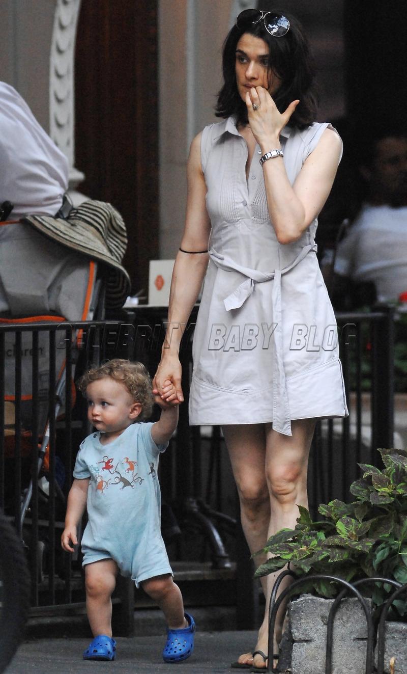 Rachel Weisz Moms Amp Babies Celebrity Babies And Kids