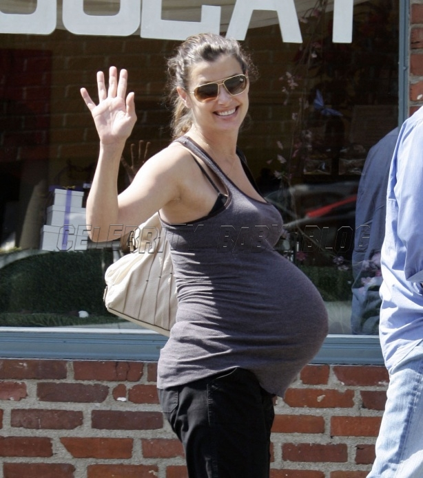 Bridget Moynahan out in LA on Wednesday | PEOPLE com