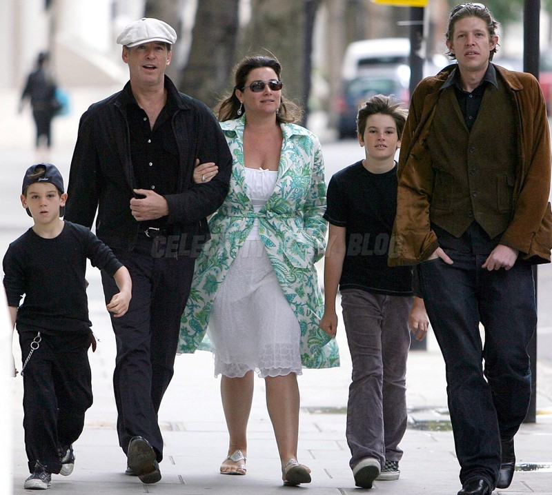 Pierce Brosnan And Family Out For A Walk In Knightsbridge On Wednesday Moms Amp Babies