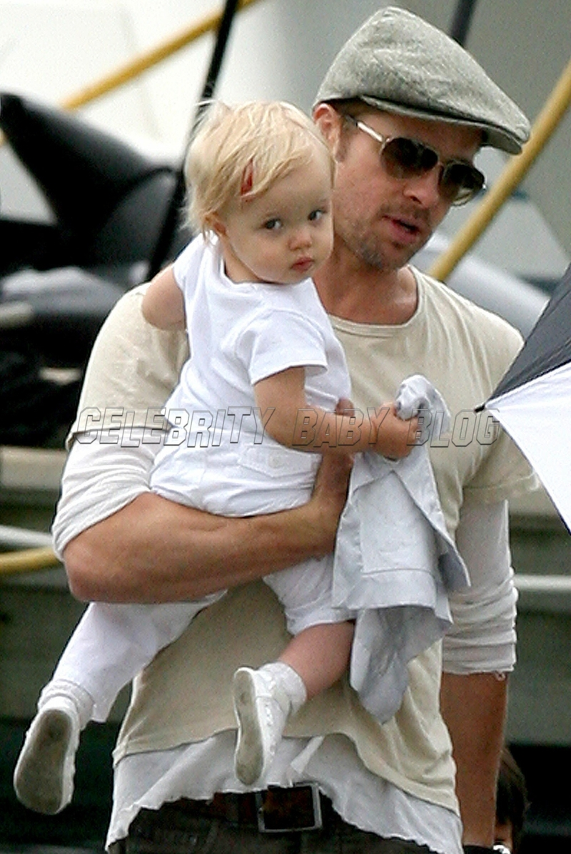 Jolie_pitt_87854621_cbb