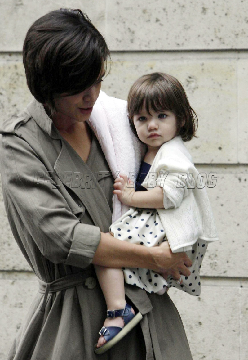 Katie Holmes And Suri Cruise In Paris Moms Amp Babies