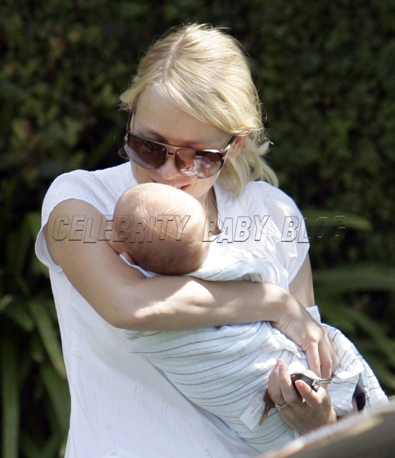 Naomi_watts_070827_15_cbb