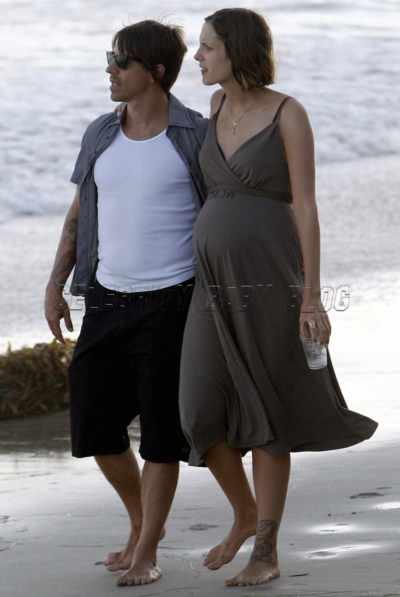 Christie_anthonykiedis_070902_09_cb