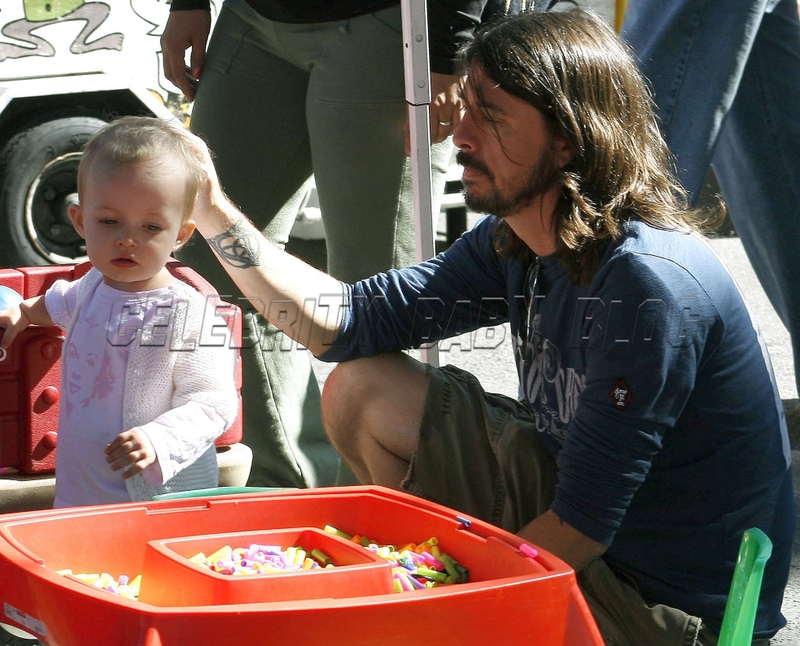 Dave Grohl Moms Amp Babies Celebrity Babies And Kids