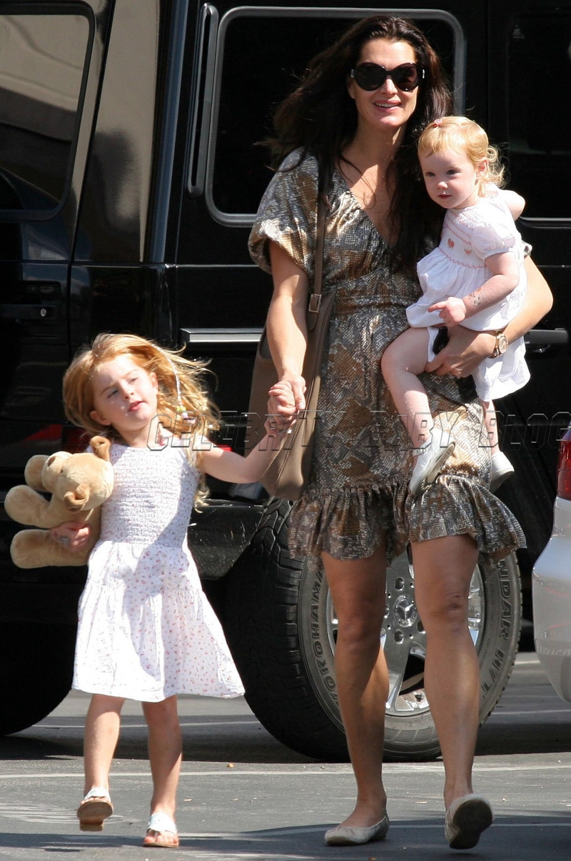 Brooke Shields Rowan And Grier At Church On Sunday Moms