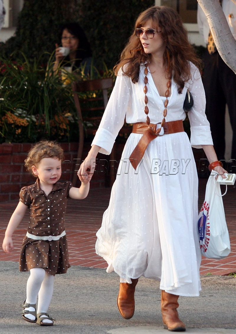 Anna Friel And Gracie Leave Fred Segal On Saturday Moms