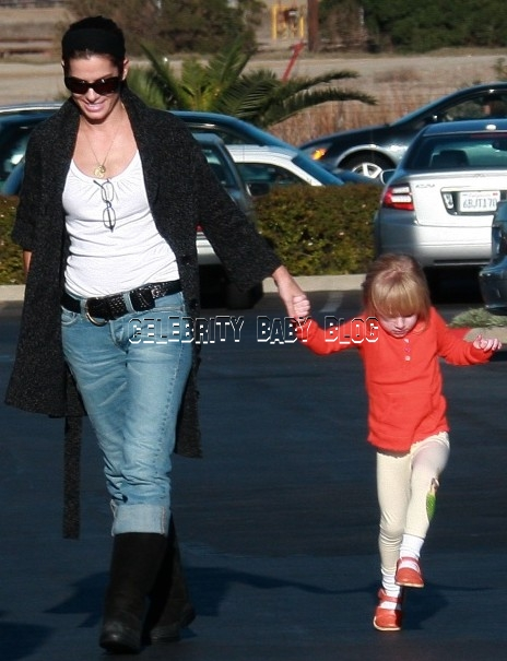 Sandra bullock and jesse james kids