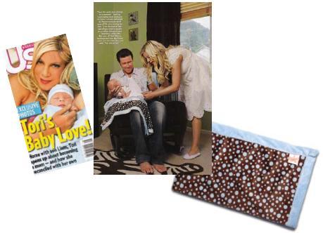 cricket monkey rocking diaper bags and celebrity baby blankets moms babies celebrity. Black Bedroom Furniture Sets. Home Design Ideas