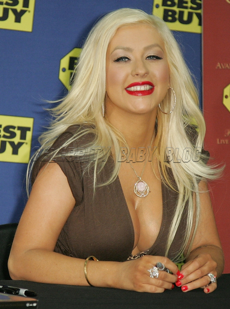 Christinaaguilera575163_cbb_2