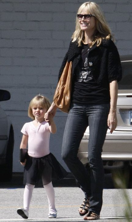 Heidi Klum and Leni at Bristol Farms on Saturday - Moms & Babies - Celebrity Babies and Kids - Moms & Babies - People.com