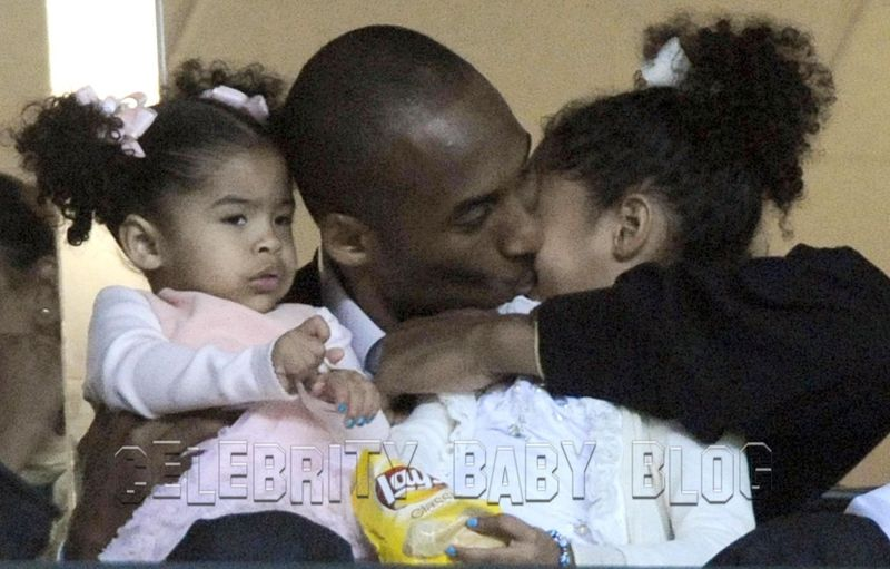 kobe bryant wife and kids. Update: Kobe Bryant and family