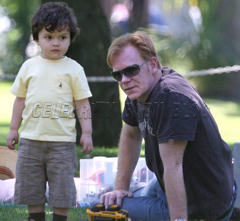 David and Marquez Caruso enjoy time at the park – Moms ...