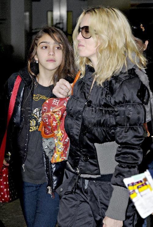 Madonna_232678cbbjpg