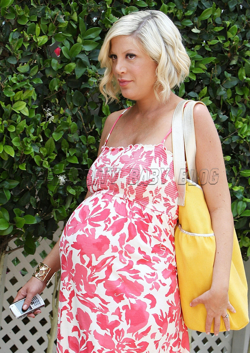 Tori_spelling04_cbb