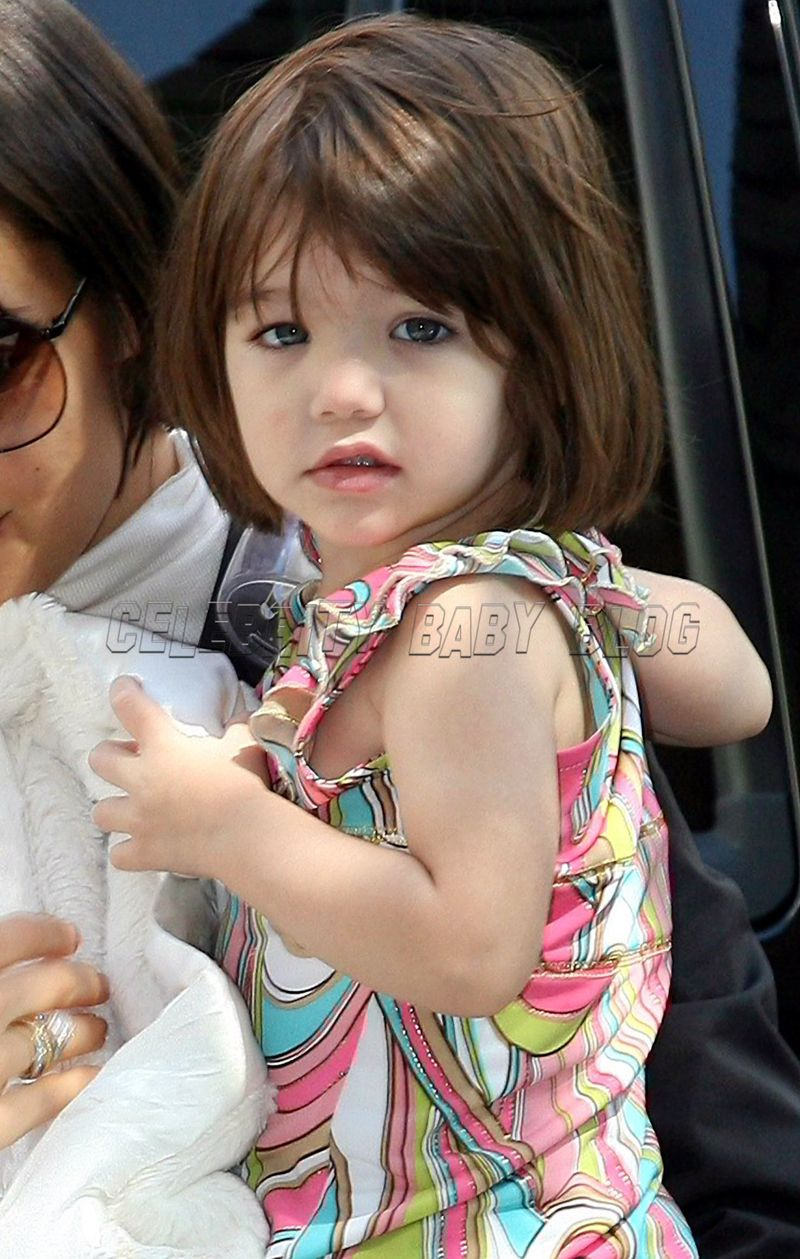 Suri Cruise out with K...