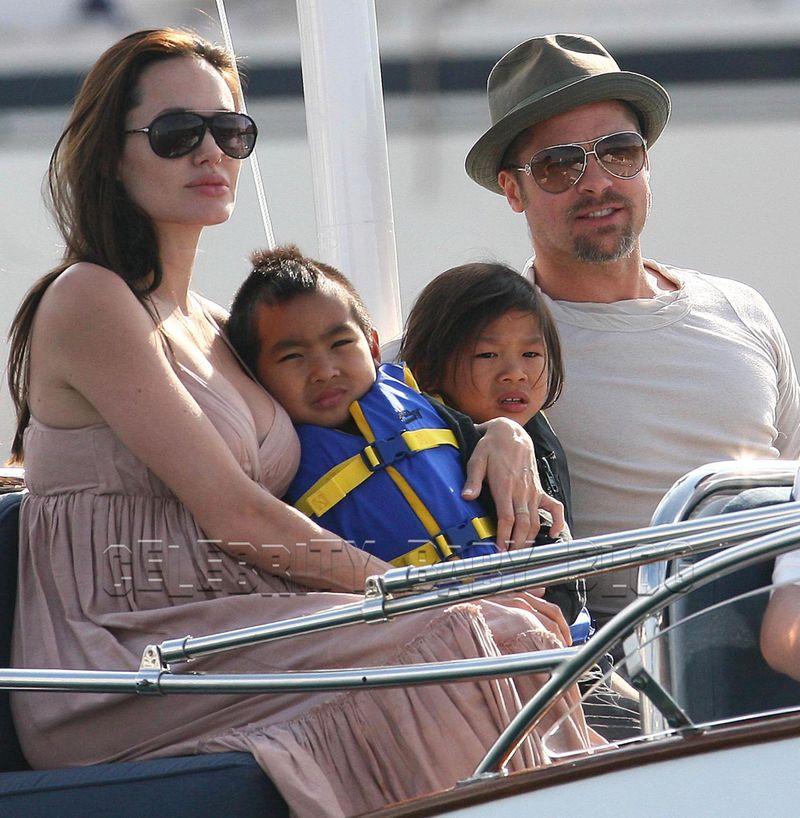 angelina jolie and brad pitt mr and mrs smith. Angelina Jolie and Brad Pitt