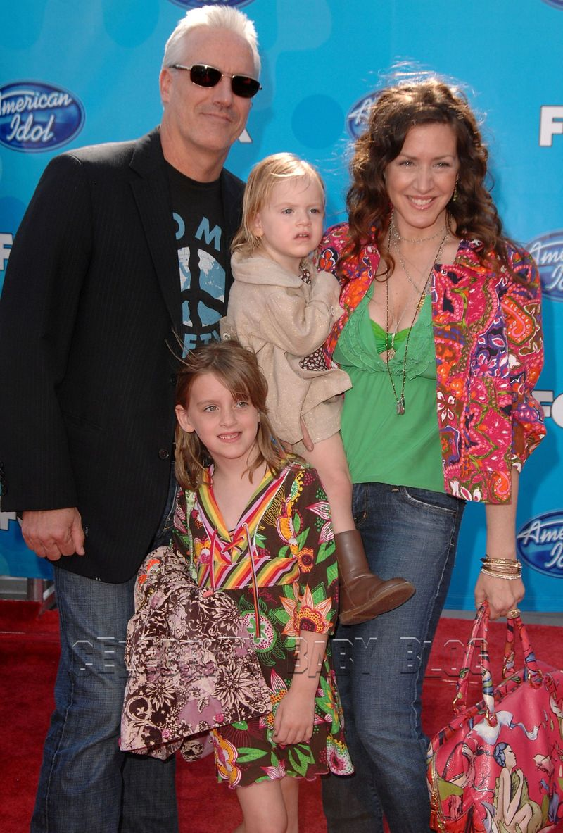 Joely_fisher_and_familycbbjpg