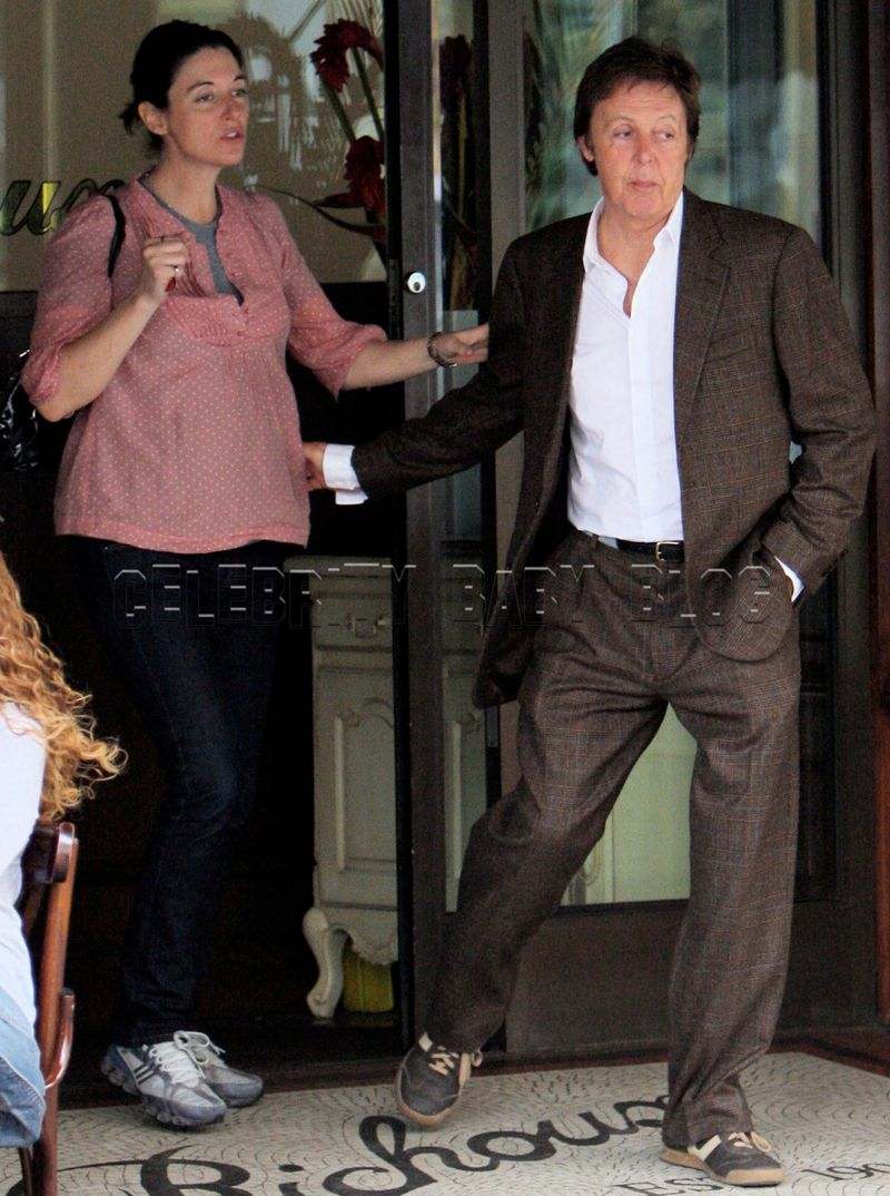 Sir Paul McCartney Out For Lunch With Kids