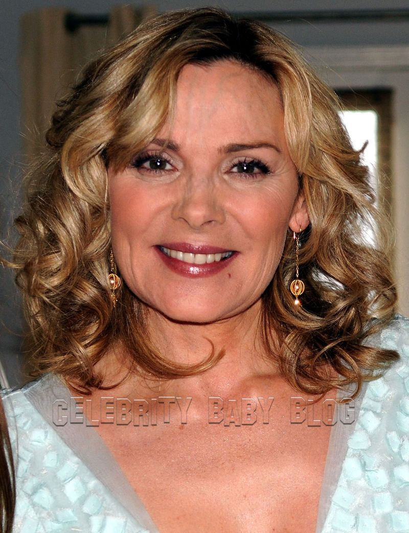 Kim Cattrall is too busy with everything to think about kids right now ... Kim Cattrall
