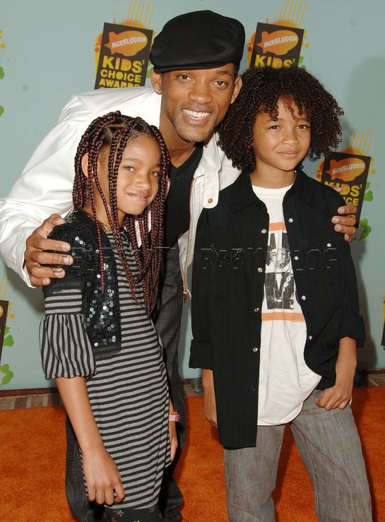 will smith family pics. Will Smith working on letting