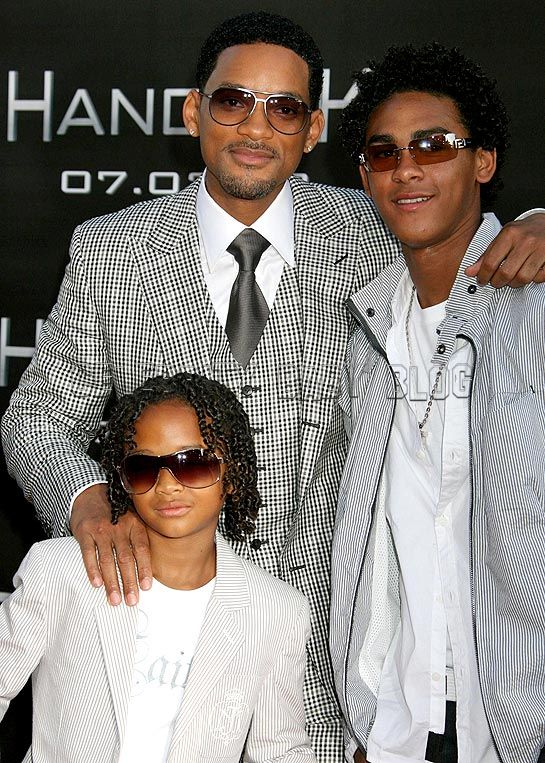 images of will smith and family. Will Smith gets support from