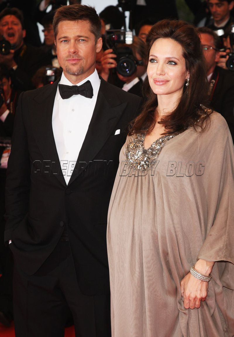 Knox L 233 On And Vivienne Marcheline Behind The Jolie Pitt S