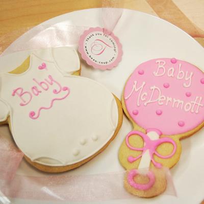 Tori_spelling_baby_cookies_400