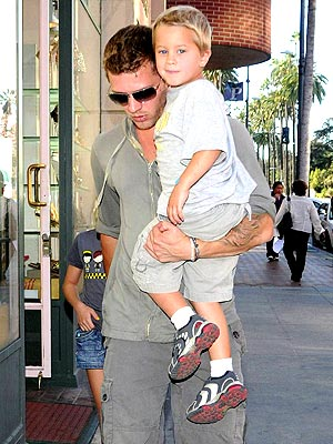 Errand Run For Ryan Phillippe And Kids Moms Amp Babies