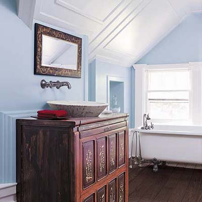 OLD HOUSE BATHROOM Bathroom Design Ideas