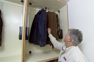 How to Build Walk-in Closet Storage