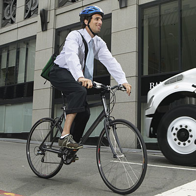 man bike to work 400x400 Will Easing Bike Helmet Laws Up Ridership?