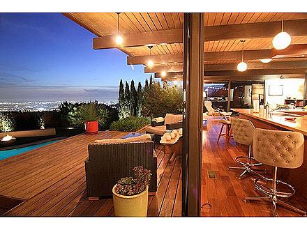 Scarlett Johansson & Ryan Reynolds's Former L.A. Home on the Market| Celeb Real Estate, Ryan Reynolds, Scarlett Johansson