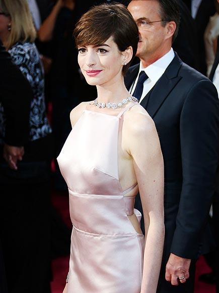 10. A PRADA STAR SHOULD NOT WEAR PRADA photo | Anne Hathaway